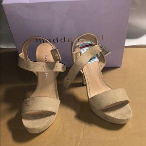 Madden Girl 6 M Rollo Platform Sandals